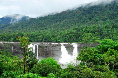 Athirapilly Falls Images